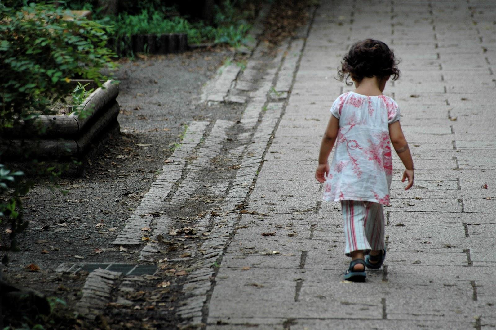 Minori, uno su tre a rischio povertà